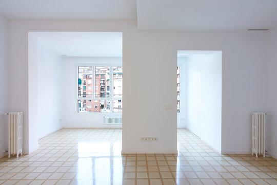 Piso, apartamento reformado vacío muy luminoso