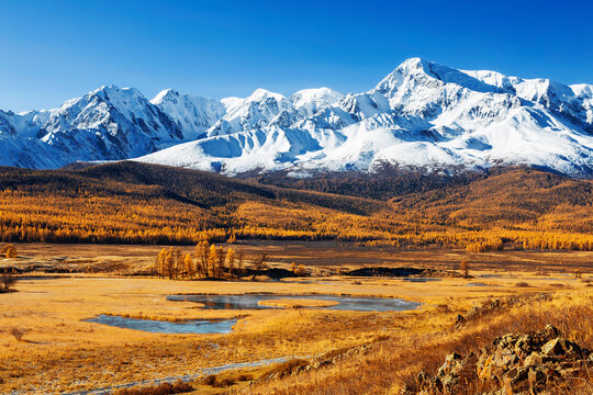 Russia, Altai republic, Yeshtykel tract, snowy mountain peaks of north chui ridge