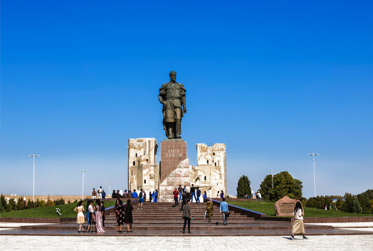 Monument to Timur Amir (Tamerlan) military leader and statesman of the 14th century, in Shahrisabz. Uzbekistan