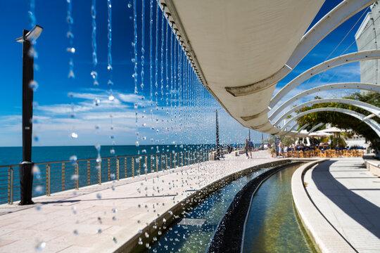 Italien, Friaul-Julisch Venetien, Grado, Strandpromenade, Springbrunnen