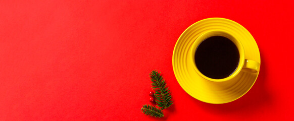 Coffee and fir branches. Winter cafe, Christmas cafe, winter break, Christmas table, quiet Christmas, etc.  コーヒーとモミの枝。冬のカフェ、クリスマスのカフェ、冬の休憩、クリスマスの食卓、静かなクリスマスなど