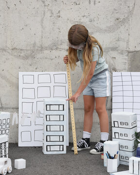 Smart Child Measuring Building Box