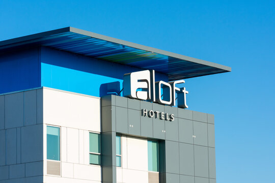 Aloft Hotels sign on the contemporary hotel building. Aloft Hotels is a hotel chain based in North America, owned by Marriott International. - San Jose, California, USA - 2020