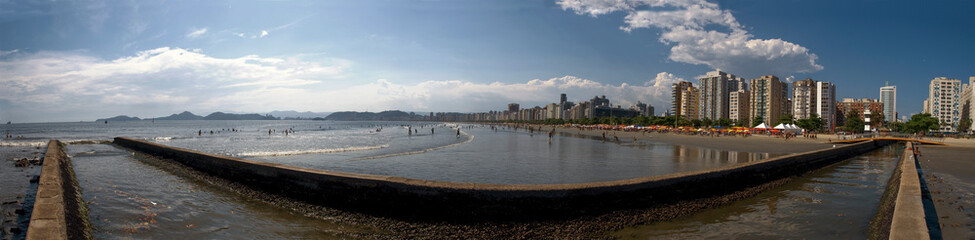 180º panoramic view of the beach and water channel nº6 in the city of Santos on a sunny day. Wall mural