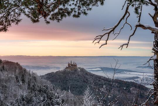 Burg im Sonnenuntergang