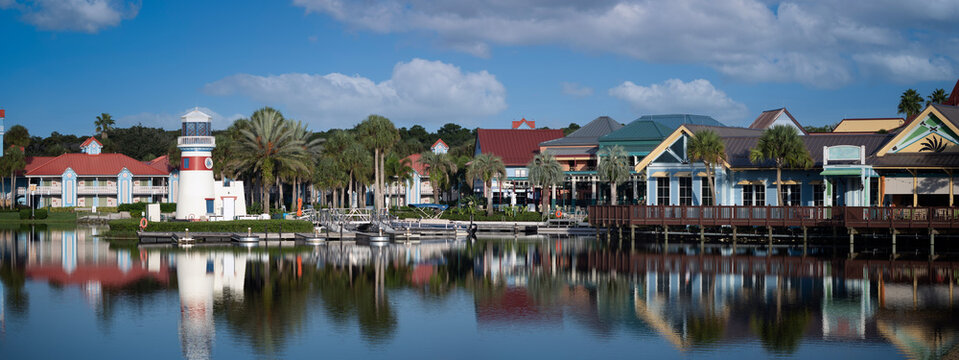 Town near small lake in florida
