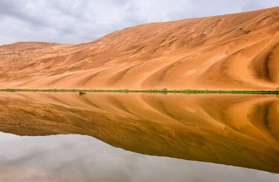 Badain Jaran desert is located in Inner Mongolia province of China