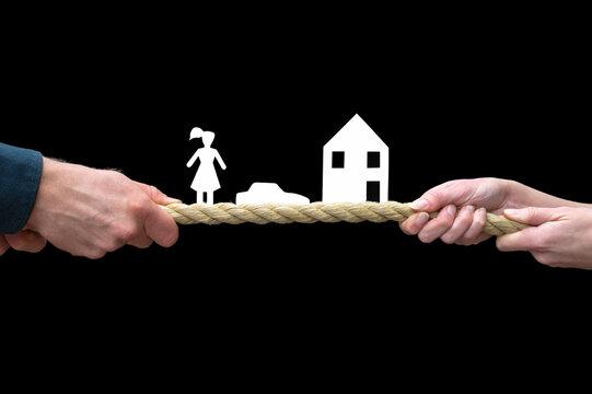 Symbolbild zum Thema Trennung und Scheidung vor schwarzem Hintergrund