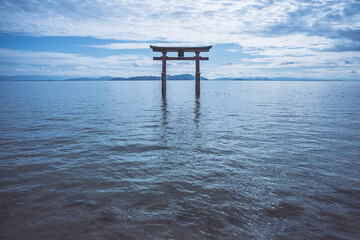 琵琶湖 白髭神社の鳥居 滋賀県 日本