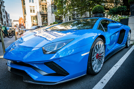 Lamborghini Aventador SV outside the Dorchester Hotel on July 30, 2018 in London. One of the best places in the world to spot super cars, especially after Ramadan: ENGLAND,LONDON-JULY 30,2018