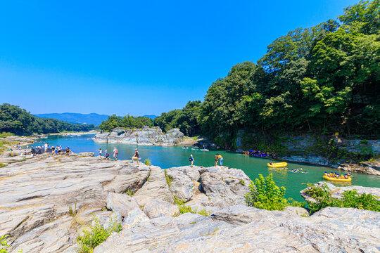 岩畳 長瀞 長瀞岩畳は地質学発祥の地。大自然の中で地球の息づかいを感じよう
