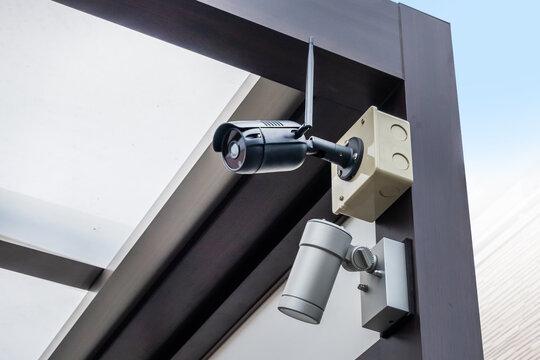 監視カメラsecurity camera which I installed in the wall