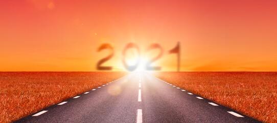 Strasse in Richtung Neues Jahr 2021