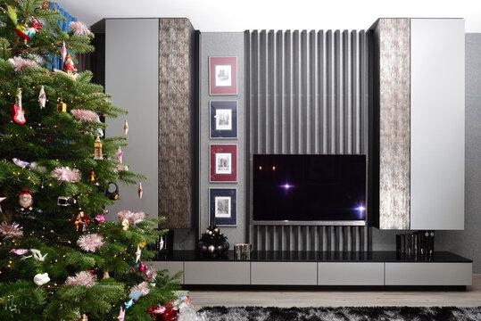 geschmücktes zum weihnachten christbaum