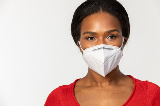 African-American woman wearing KN95 mask to keep her protect from viruses
