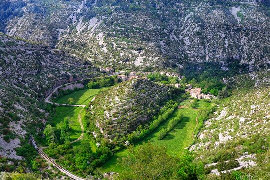 Vue aérienne du cirque de Navacelles dans l'Hérault