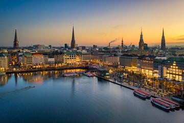 Sunset skyline of Hamburg, Germany along the Binnenalster lake Fotobehang