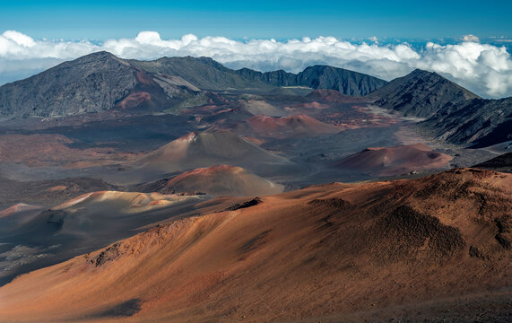 Haleakalā crater, Haleakalā National Park, Maui, Hawaii, USA