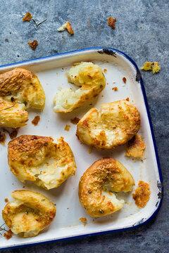 crispy golden baked smashed potatoes