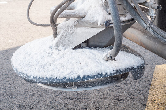 road salt spray tools snow plow tractor truck tool