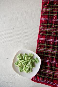 green tree spritz cookies
