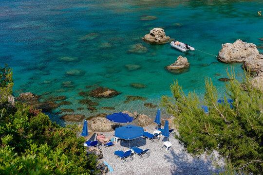 Rhodes plage grecque, bronzage
