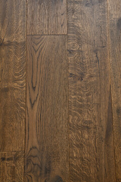 Hickory hardwood stained floor planks wood grain