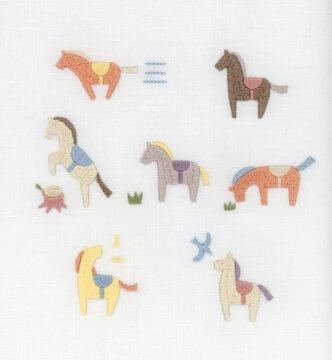 カラフルな馬のセット