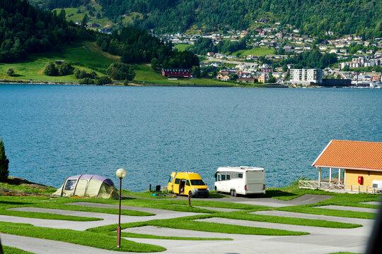 Campingplatz am See für Camper WOhnmobile und Wohnwagen oder Zelt