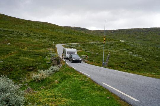 Camping in Norwegen auf dem Gletscher Bergpass in der Wildniss