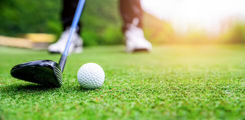 Obraz Low Section Of Man Playing Golf - fototapety do salonu