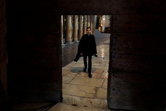 Armenian Patriarch arrives in Bethlehem to celebrate Christmas