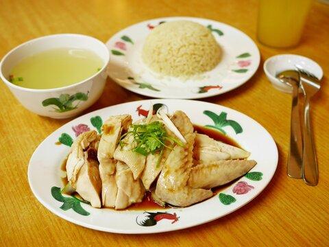 シンガポール料理の海南チキンライス