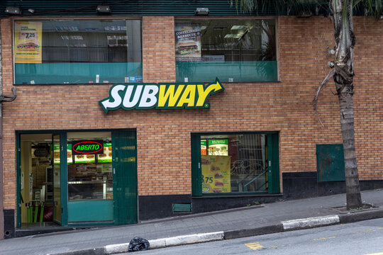 Sao Paulo, Brazil, september 27, 2015. Facade of the Subway, american fast food franchise offering sub sandwiches and salads. in Augusta street, center of Sao Paulo, SP.
