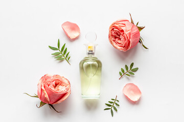 Obraz Floral flat lay with perfume bottle, top view - fototapety do salonu