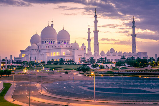 sheikh zayed grand mosque in abu dhabi, united arab emirates. one of the beautiful and famous mosque - middle east