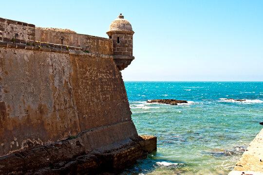 road to the fortress of San Sebastian, Cadiz