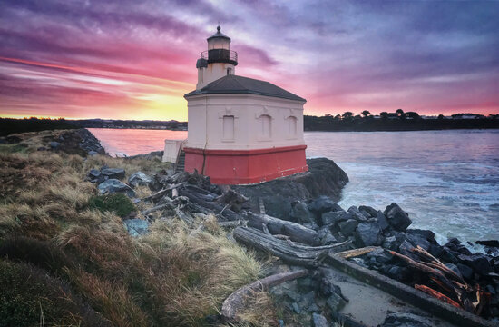 Gorgeous pink sunrise at Bandon Lighthouse