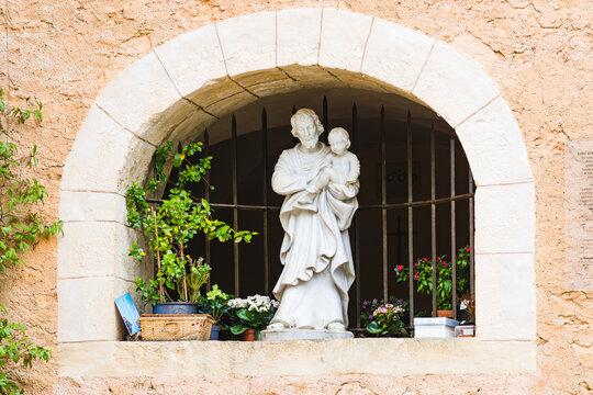 Statue Saint Joseph et Jésus au Bessillon