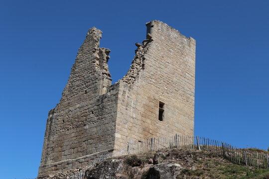 Nouvelle-Aquitaine - Limousin - Creuse - Forteresse de Crozant - La tour quadrangulaire