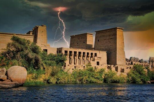 Temple d'Isis sur l'île de Philæ en Egypte
