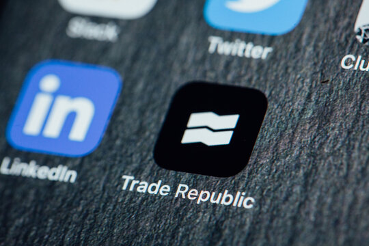 Close up to Trade Republic app on iPhone screen