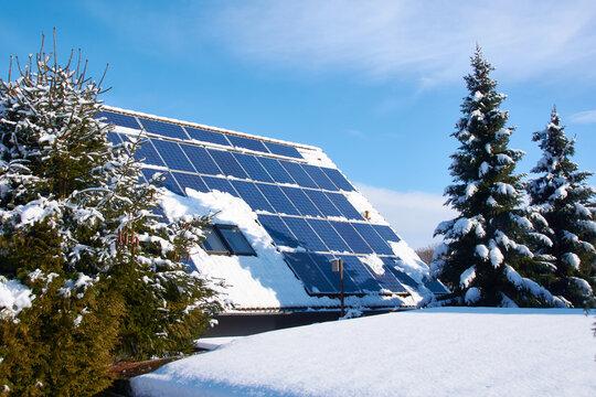 Solaranlage im Winter