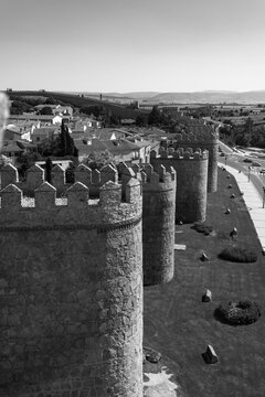 Avila's rampart wall in black and white