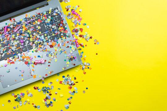 notebook com confete