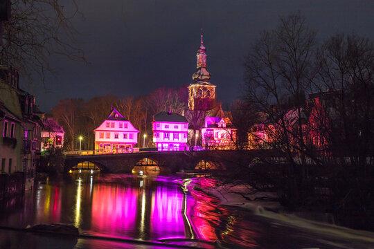 Beleuchtetes Wahrzeichen von Bad Kreuznach bei Nacht