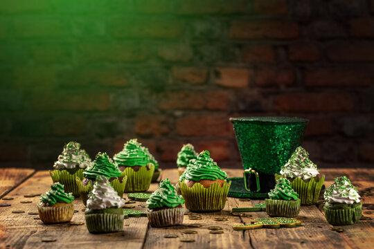 Happy St Patricks Day cupcakes