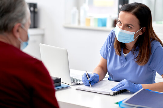 Female doctor conducts a medical interview with the senior