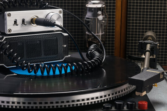 a set of equipment for amplifying sound and listening to vinyl records