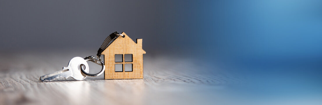 house model and house key